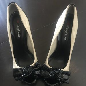 Shoes - Oxford wing tip black and white platform heels